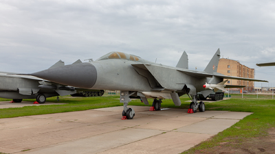 19 - Mikoyan-Gurevich MiG-31 Foxhound - Kazakhstan - Air Force