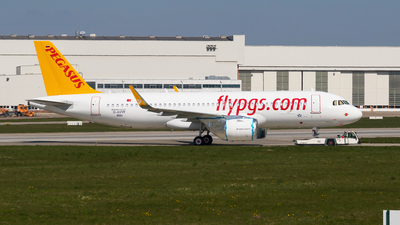 A picture of DAVVF - Airbus A320 - Airbus - © Kosmopoliks