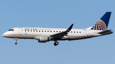 A picture of N114SY - Embraer E175LR - United Airlines - © Marco Papa