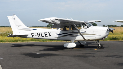A picture of FHLEX - Cessna 172S Skyhawk - [172S10499] - © bruno muthelet
