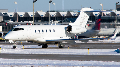 N313V - Bombardier BD-100-1A10 Challenger 300 - Private