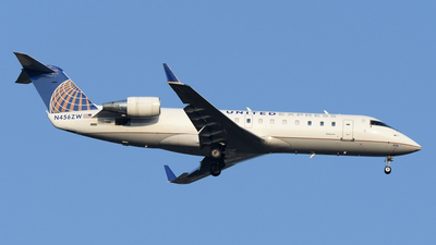 N456ZW - Bombardier CRJ-200LR - United Express (Air Wisconsin)