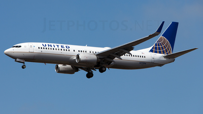 N77296 - Boeing 737-824 - United Airlines