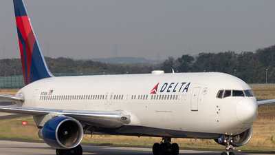 A picture of N174DN - Boeing 767332(ER) - Delta Air Lines - © Horváth Gábor