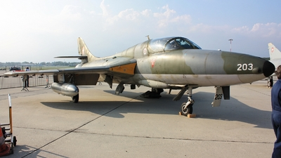 HB-RVW - Hawker Hunter T.68 - Private