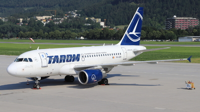 A picture of YRASB - Airbus A318111 - Tarom - © Christoph Plank