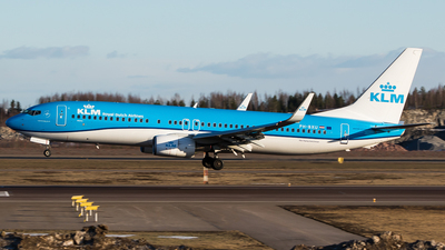 PH-BXU - Boeing 737-8BK - KLM Royal Dutch Airlines