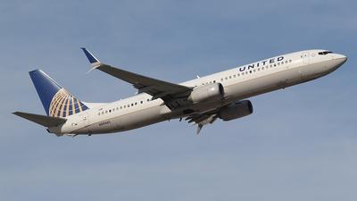 A picture of N39461 - Boeing 737924(ER) - United Airlines - © BizavMen