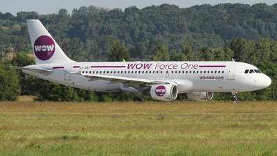 LY-VEY - Airbus A320-212 - WOW Air (Avion Express)