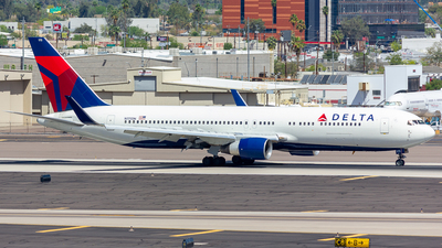A picture of N175DN - Boeing 767332(ER) - Delta Air Lines - © Jay Cassady