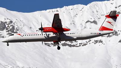 A picture of OELGK - De Havilland Canada Dash 8400 - Austrian Airlines - © Maximilian Gruber