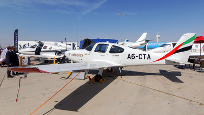 A6-CTA - Cirrus SR22 - Emirates Flight Training Academy