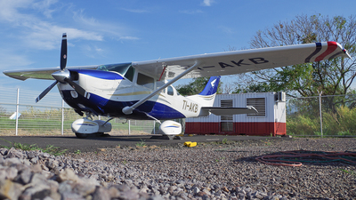 TI-AKB - Cessna U206F Stationair 6 - SkyWay Costa Rica