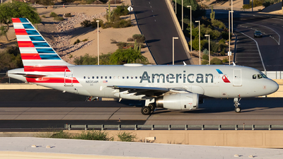 A picture of N835AW - Airbus A319132 - American Airlines - © Luke Dogan
