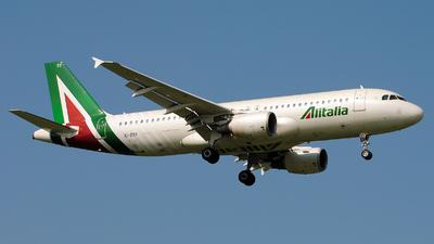 A picture of EIDSY - Airbus A320216 - Italia Trasporto Aereo - © Alessi Riccardo F.