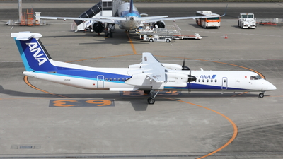 JA850A - Bombardier Dash 8-Q402 - ANA Wings