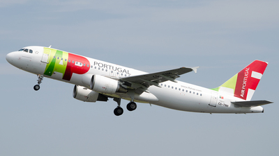 A picture of CSTNH - Airbus A320214 - TAP Air Portugal - © Paul Stam
