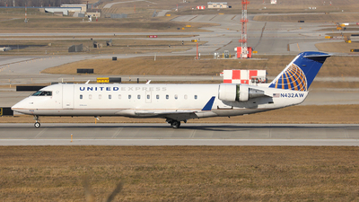 A picture of N432AW - Mitsubishi CRJ200ER - United Airlines - © h.giraff