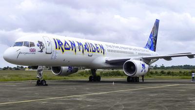 G-STRX - Boeing 757-28A - Astraeus Airlines