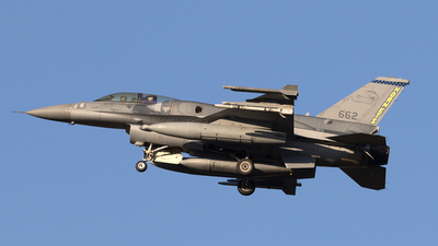 662 - General Dynamics F-16D Fighting Falcon - Singapore - Air Force