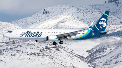 A picture of N419AS - Boeing 737990(ER) - Alaska Airlines - © CJMoeser