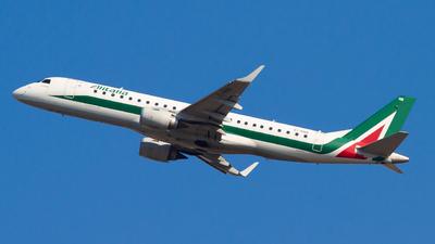 A picture of EIRNB - Embraer E190STD - [19000479] - © alphaoscar