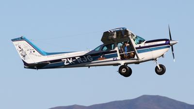 ZK-RJG - Cessna R172K Hawk XP II - Private