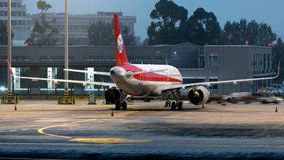 B-321D - Airbus A320-271N - Sichuan Airlines