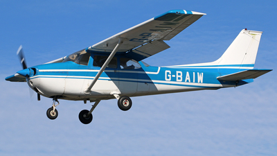 G-BAIW - Reims-Cessna F172M Skyhawk - Private