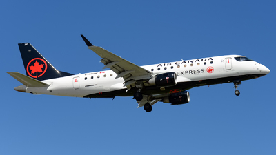 C-FRQW - Embraer 170-200LR - Air Canada Express (Sky Regional Airlines)