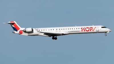 A picture of FHMLI - Mitsubishi CRJ1000EL - Air France - © DN280