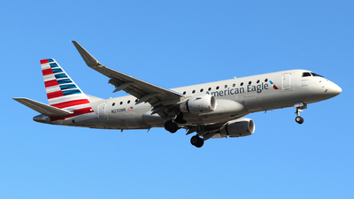 A picture of N270NN - Embraer E175LR - American Airlines - © Guy Langlois
