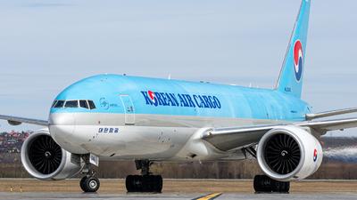 A picture of HL8046 - Boeing 777FB5 - Korean Air - © Magyar Gábor
