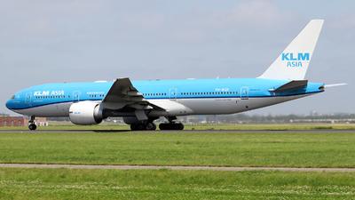 A picture of PHBQK - Boeing 777206(ER) - KLM - © Johannes Reichert