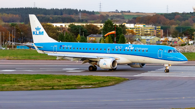 A picture of PHEZP - Embraer E190STD - KLM - © Ethan Hew - p_nilly