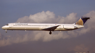 N16802 - McDonnell Douglas MD-82 - Continental Airlines