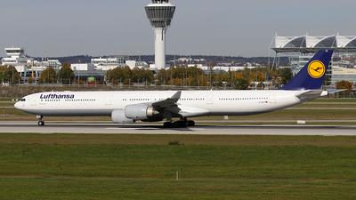 D-AIHX - Airbus A340-642 - Lufthansa