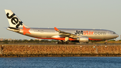 VH-EBE - Airbus A330-202 - Jetstar Airways