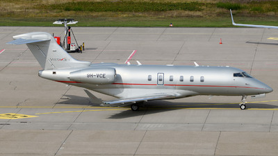 A picture of 9HVCE - Bombardier Challenger 350 - VistaJet - © Günther Feniuk