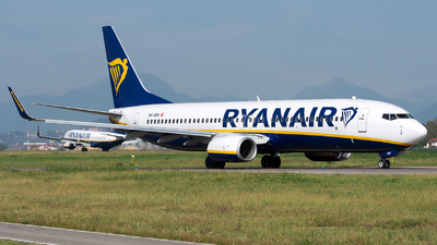 A picture of 9HQBH - Boeing 7378AS - Ryanair - © Medolago Manuel