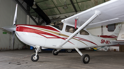 SP-IKI - Cessna 182T Skylane - Private
