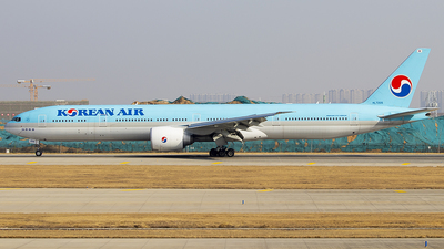 A picture of HL7205 - Boeing 7773B5(ER) - Korean Air - © Jinshui Road