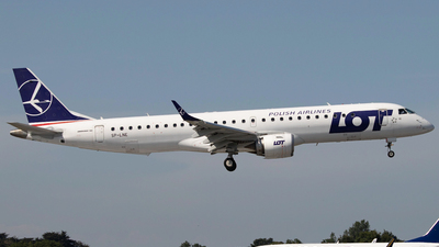 A picture of SPLNE - Embraer E195LR - LOT - © Ross Sugrue