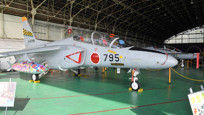 16-5795 - Kawasaki T-4 - Japan - Air Self Defence Force (JASDF)