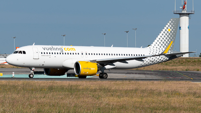 A picture of ECNDB - Airbus A320271N - Vueling - © Aaron Vancoillie
