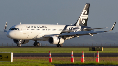 A picture of ZKOXC - Airbus A320232 - Air New Zealand - © William Bradley