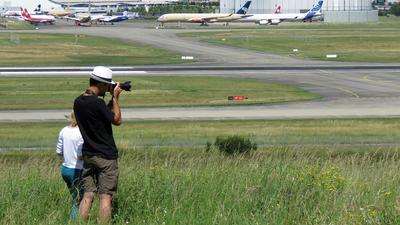 LFBO - Airport - Spotting Location