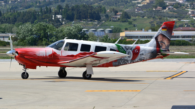 D-EPIK - Piper PA-32R-300 Cherokee Lance - Private