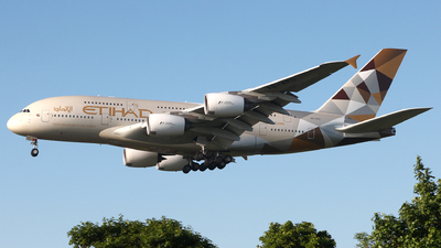 A6-APC - Airbus A380-861 - Etihad Airways