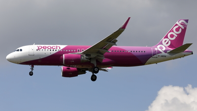 JA11VA - Airbus A320-214 - Peach Aviation